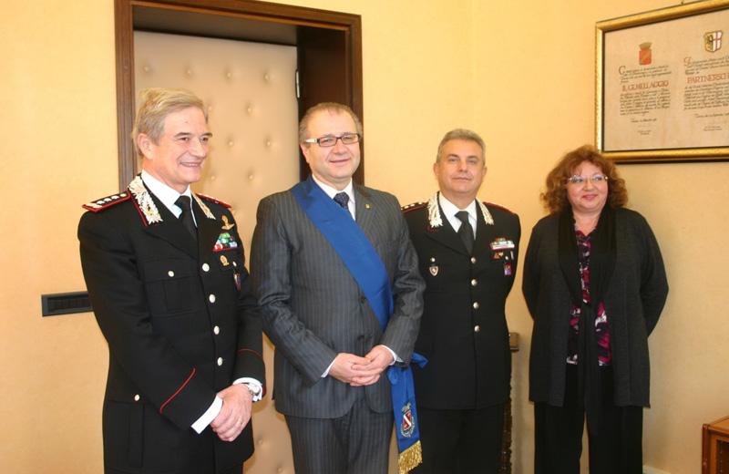 Il Generale, il presidente Catarra, il comandante Salemme, il segreterio generale della Provincia, Gianna Becci
