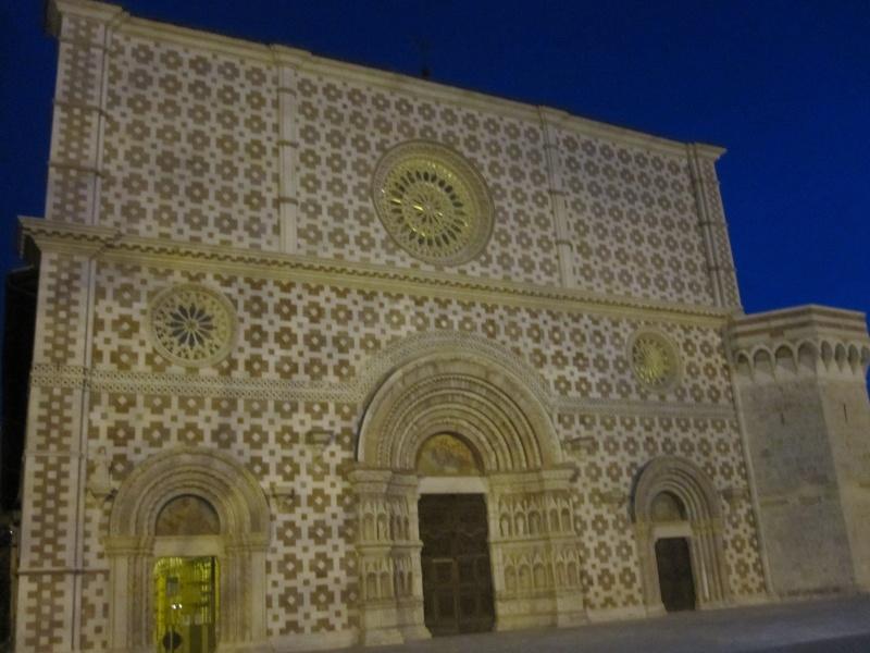 L'Aquila. Basilica di Colle Maggio, esterno