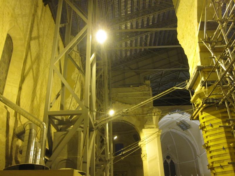 L'Aquila. Basilica di Colle Maggio, interno