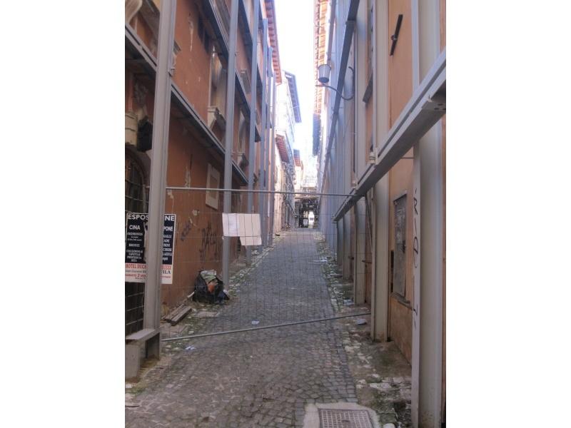 L'Aquila. Strada non accessibile