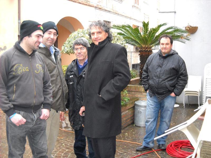 Marino Mecozzi e Maurizio Blasi con dei massignanesi ospiti del Tg3 itinerante