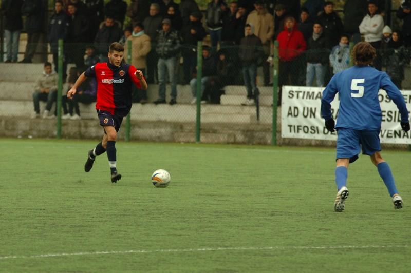 Nicolosi: da una sua discesa imperiosa nasce il terzo gol della Samb a Venafro (foto Troiani)
