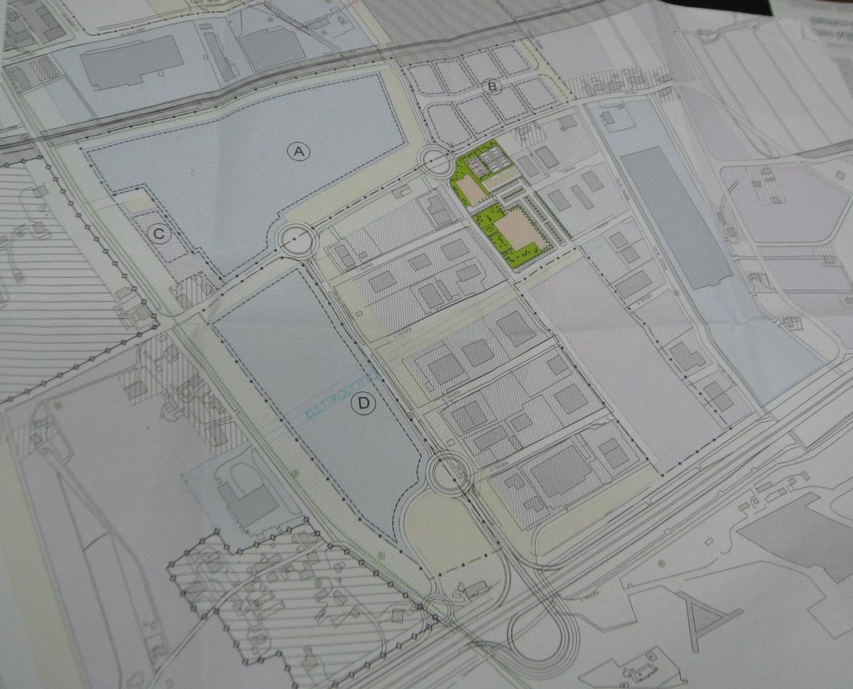 La variante al Prg: in verde l'area destinata al centro sportivo, A e D le aree destinate al centro commerciale, separate da via Scopa