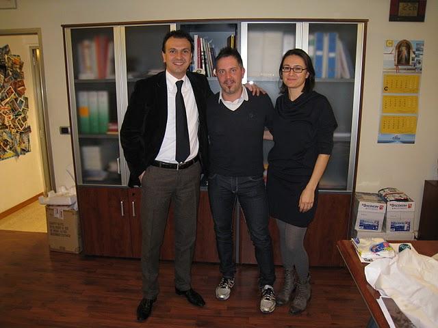 Da sinistra Massimo Forlì (Maè), Domenico Piunti (Avis atletica), Elisabetta Capriotti (Maè)
