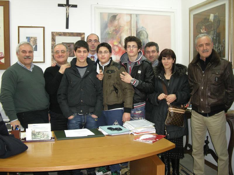 Consegnato parte del ricavato della festa di Sant'Antonio a Don Luigino Scarponi