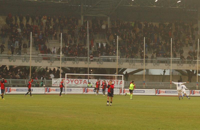 Gol del Fossombrone, i rossoblu si disperano (foto Troiani)