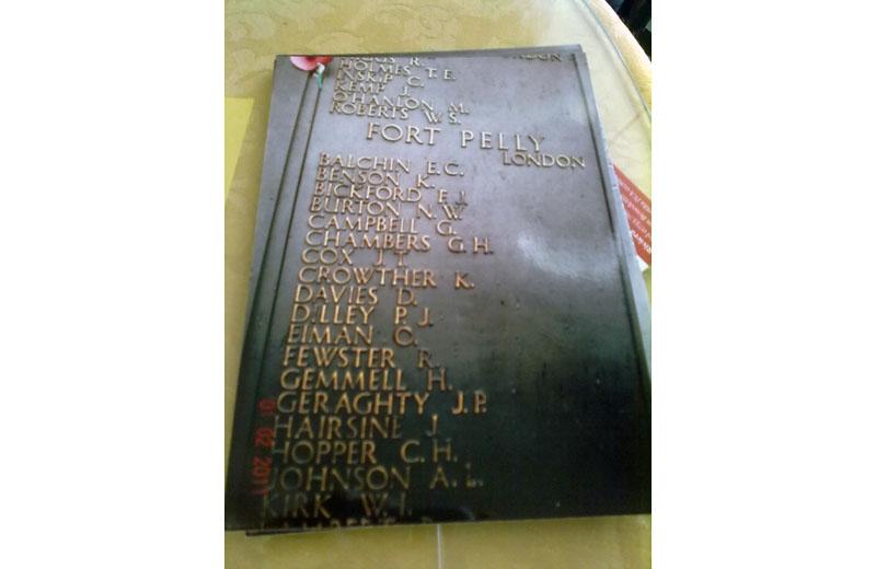 La lapide scovata da Shindler a Londra con il nome dello zio di Gioia Gordon
