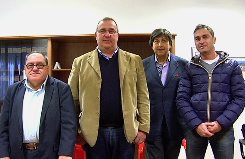 Renato Novelli, a sinistra, con il presidente dell'Assoalbergatori Gaetano Sorge, l'ex assessore Domenico Mozzoni, e l'ex presidente dell'AssoalbergatoriGabriele Di Emidio