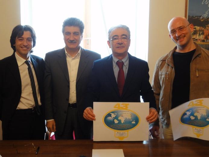 L'assessore alla Cultura Enrico Piergallini, il sindaco Luigi Merli, Marcello Iezzi e Timoteo Sceverti