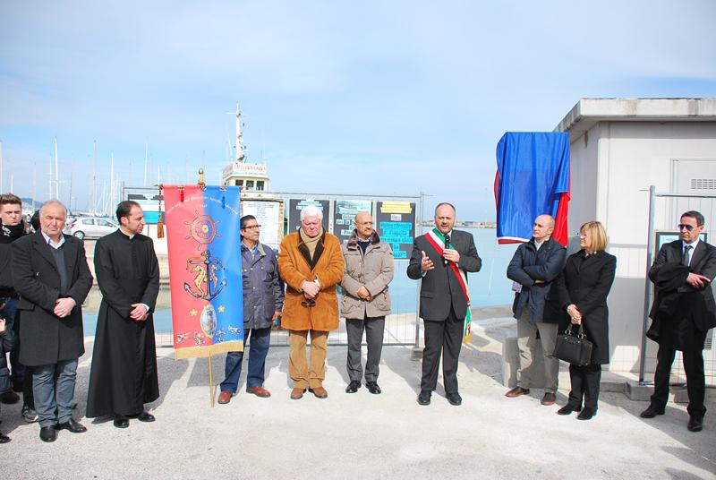 Inaugurazione piazzale commemorativo del naufragio del motopesca Pinguino: le autorità