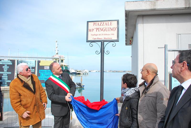 Inaugurazione piazzale commemorativo del naufragio del motopesca Pinguino