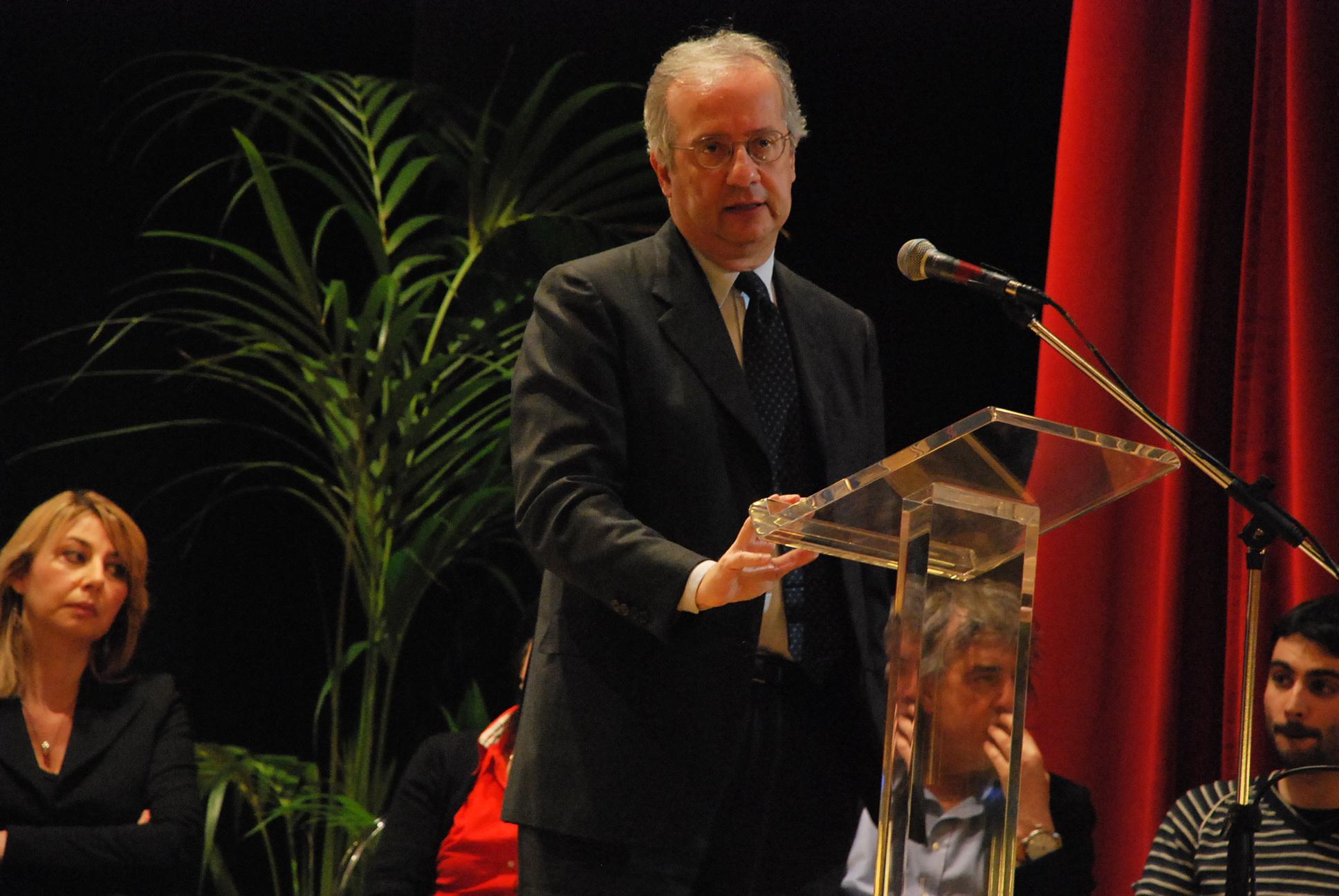 Walter Veltroni al Teatro Concordia nel febbraio 2011