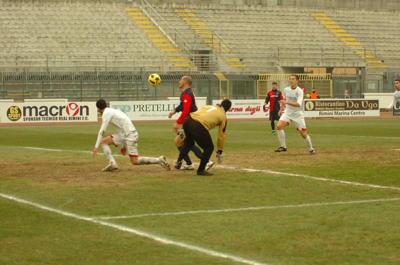 Covelli gol dopo aver saltato Verì sta per insaccare (foto Troiani)
