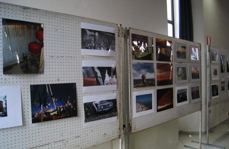 Alcune delle opere esposte in Sala consiliare