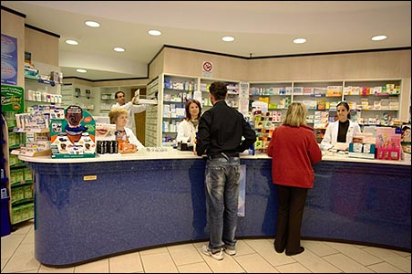 Farmacisti, pace fatta col Comune