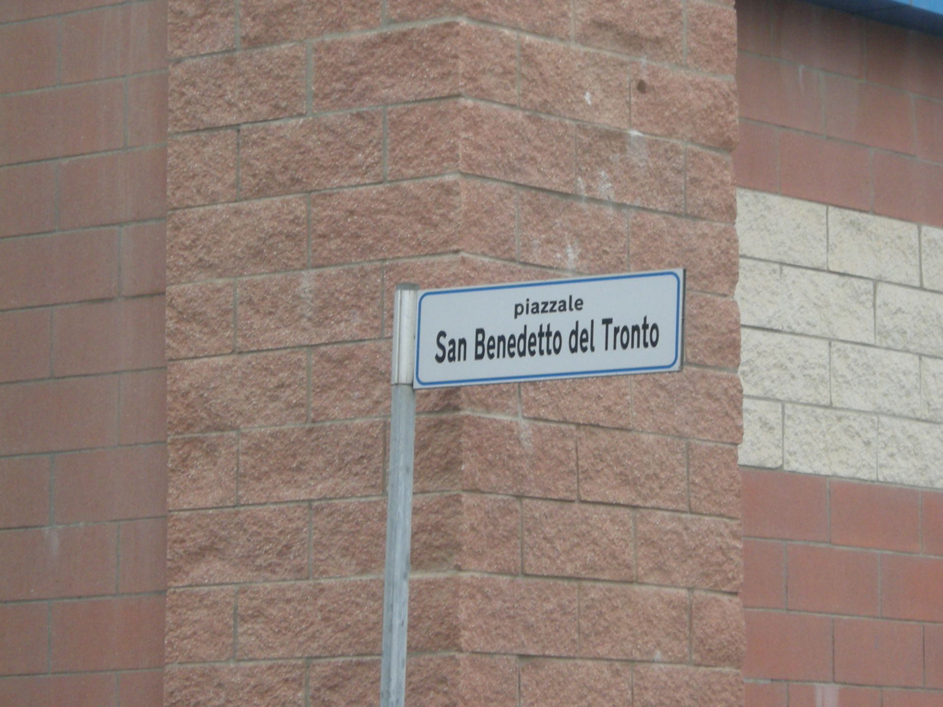 Viareggio, la piazza dedicata a San Benedetto