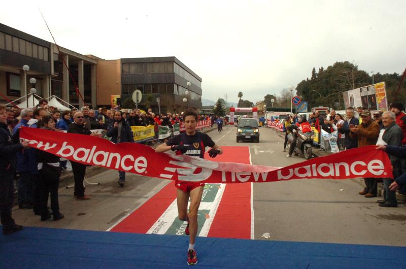Denis Curzi taglia il traguardo (foto Troiani)