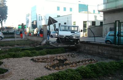 L'incidente del 5 febbraio con il furgone che ha divelto il muro di un condominio