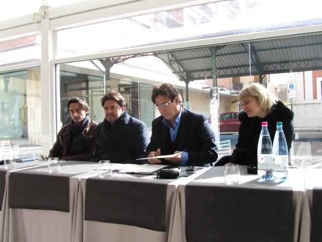 Movida, una conferenza stampa dei titolari dei locali riuniti nell'associazione Madrugada