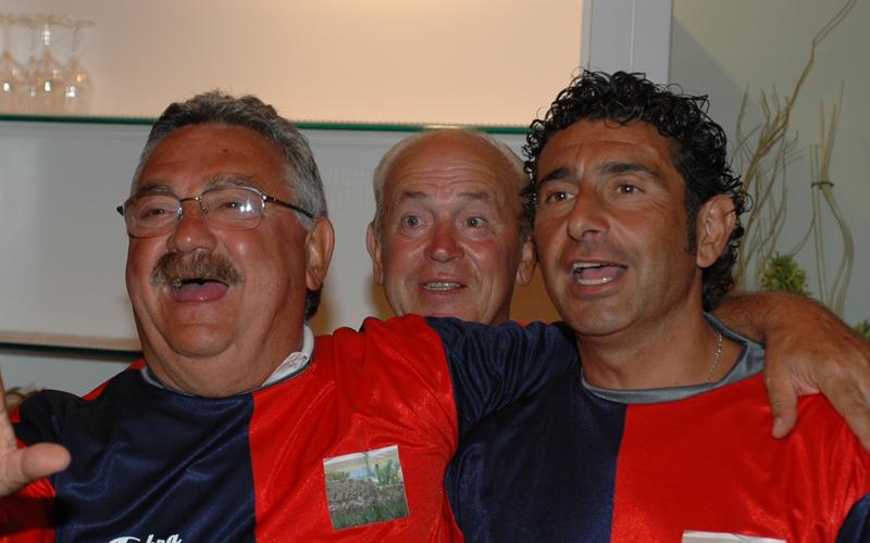 Pucci e Gentilini, dietro di loro Di Francesco, ad una premiazione di Riviera Oggi organizzata alla Perla di Cupra