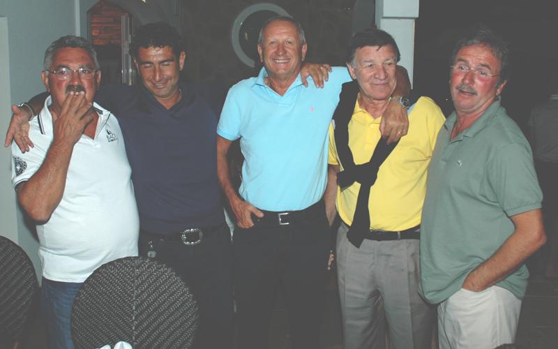 Pucci, Gentilini, Caposciutti, Beni e Simonato in un raduno di ex rossoblu