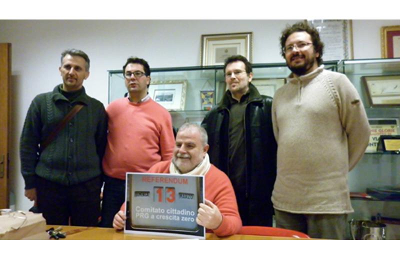 Esponenti del Comitato Prg a Crescita Zero: Giovanni Marucci, Luca Spadoni, Emidio Girolami, Riego Gambini, Daniele Primavera