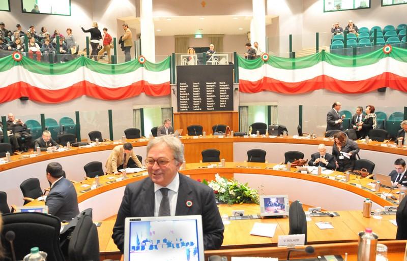 Il Governatore Gian Mario Spacca nella seduta del consiglio regionale del 15 marzo, a poche ore dallo scoccare della festa per il 150° dell'Unità d'Italia