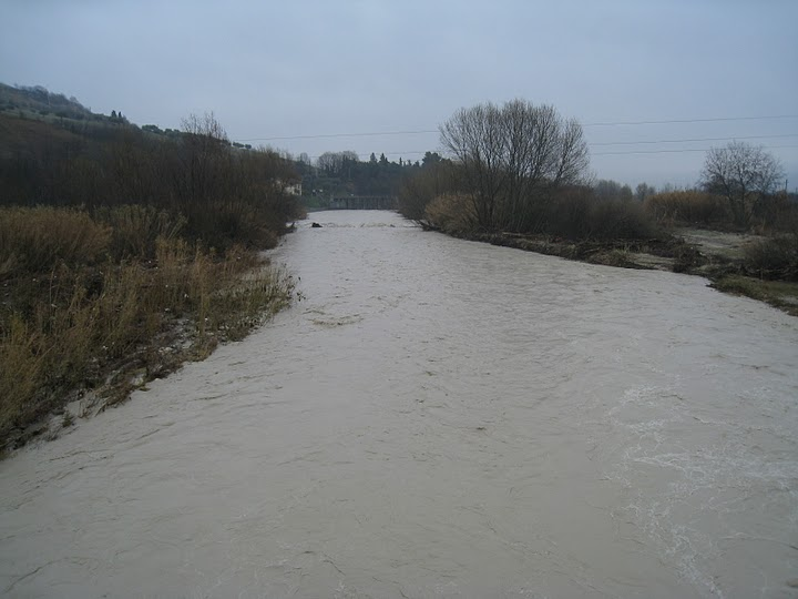 20110304_Ascoli_Piceno_fiume_Tronto_direzione_est2