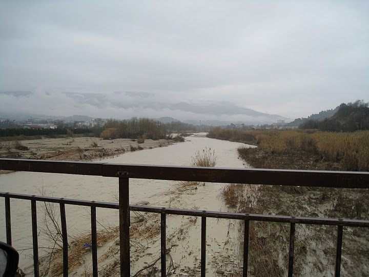 20110304_Ascoli_Piceno_fiume_Tronto_direzione_ovest2