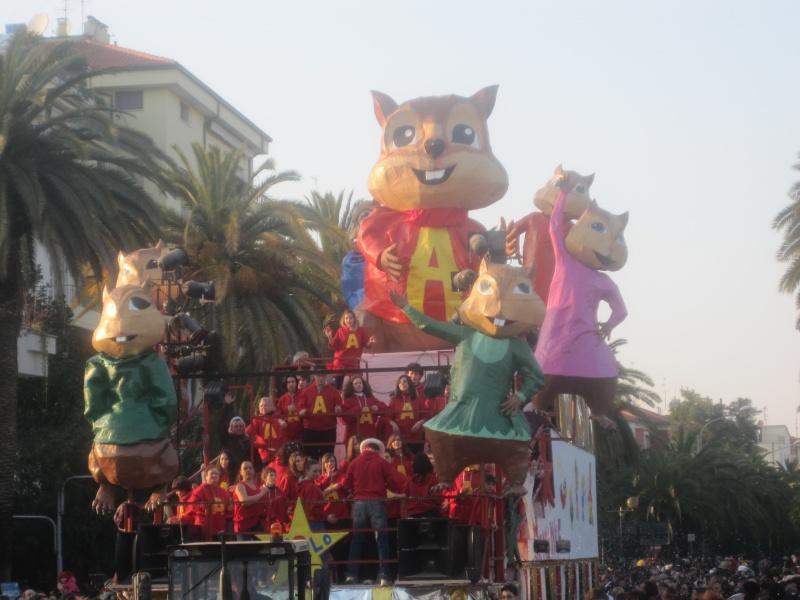 Carnevale San Benedetto, un carro allegorico delle precedenti edizioni