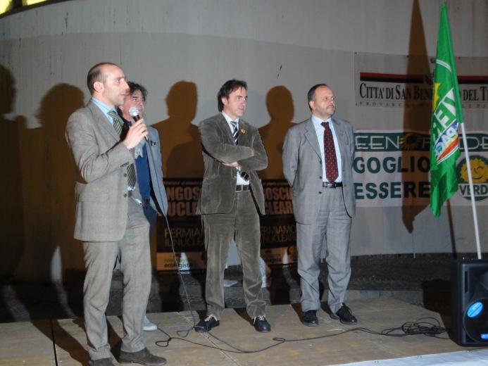 L'assessore Canducci con il presente dei Verdi Angelo Bonelli e il sindaco Giovanni Gaspari