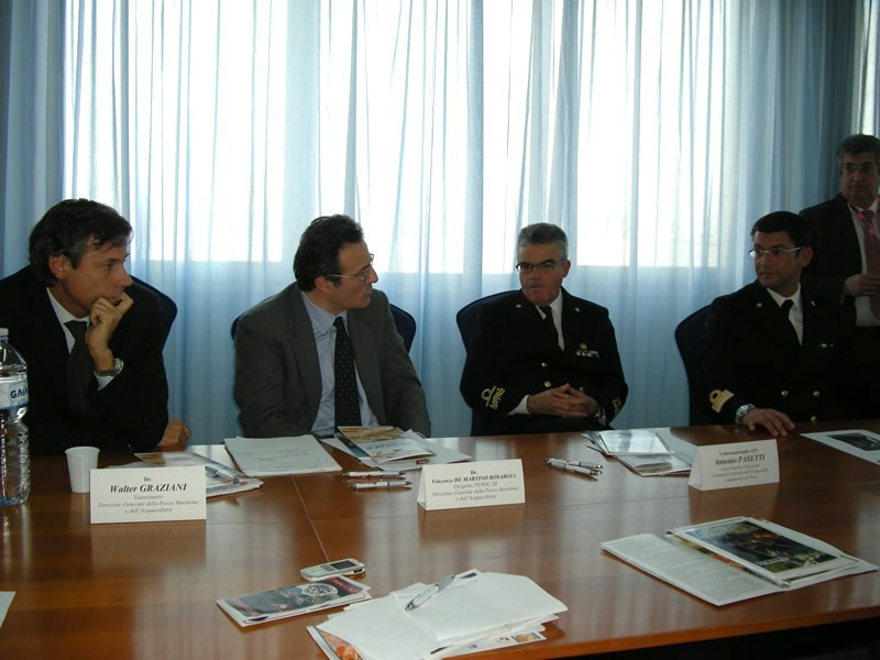 Da sinistra Walter Graziani, Vincenzo De Martino Rossarol, Contrammiraglio Antonio Pasetti, capitano di Fregata Daniele Di Guardo
