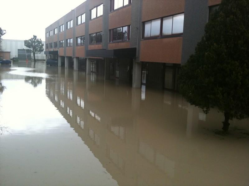 Mercoledì, aziende alluvionate in via Pomezia