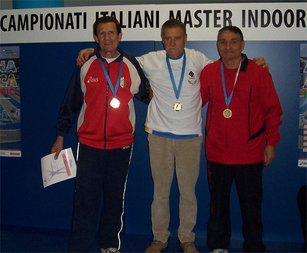 Al centro Francesco Bruni, campione italiano di Pentathlon nella categoria M70