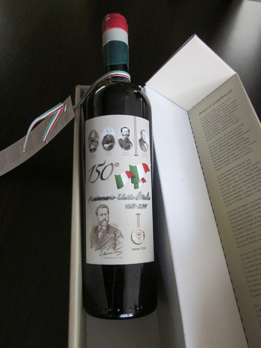 La bottiglia della cantina Fontursia per i 150 d'Unità d'Italia