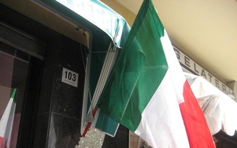 Tricolori a San Benedetto, Bar King, 17 marzo