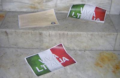 Volantini di CasaPound (foto www.casapounditalia.org)