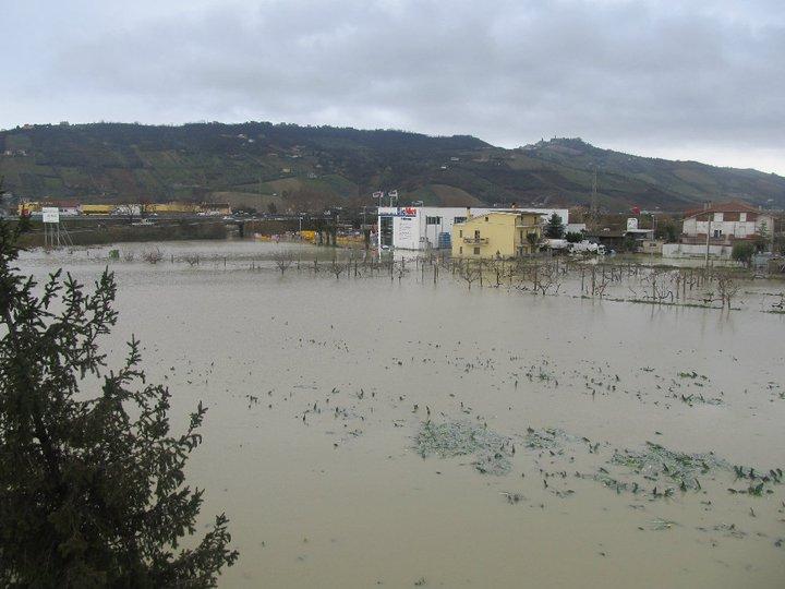 Allagamenti 2 marzo 2011, contrada Isola di Centobuchi