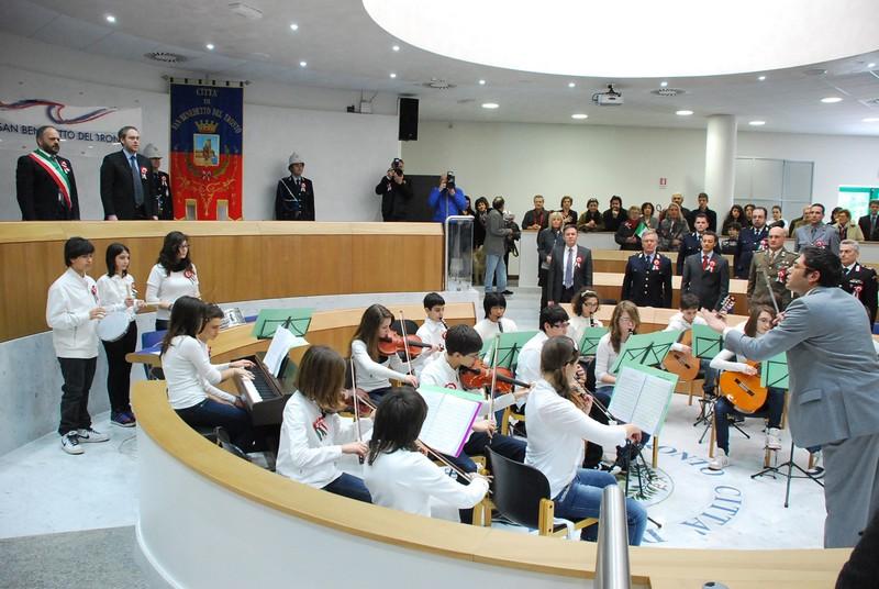 17 marzo 2011, 150 anni dall'Unità d'Italia: gli allievi della scuola di musica della