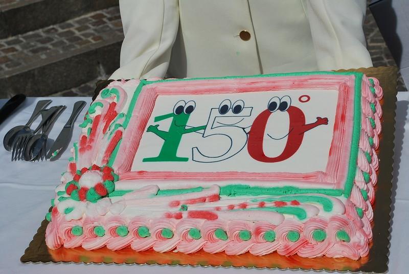 La torta tricolore realizzata dagli studenti dell'Alberghiero