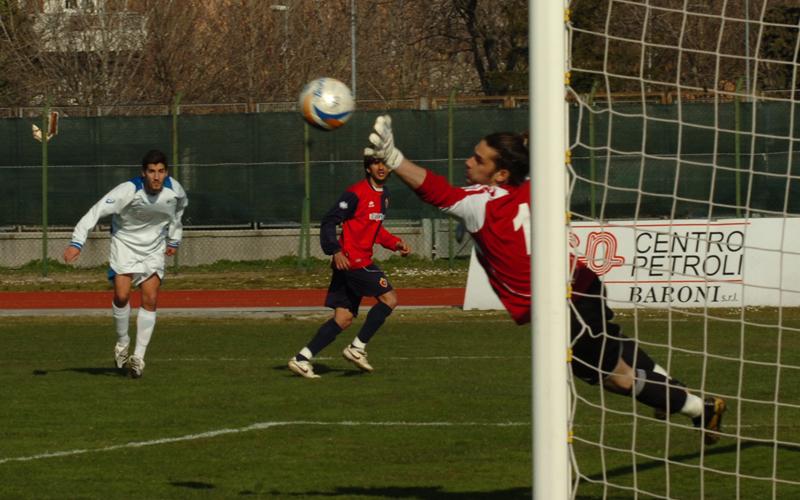 Nardi para su Zazzetta, evitato il momentaneo 2-2 a Santarcangelo (Troiani)