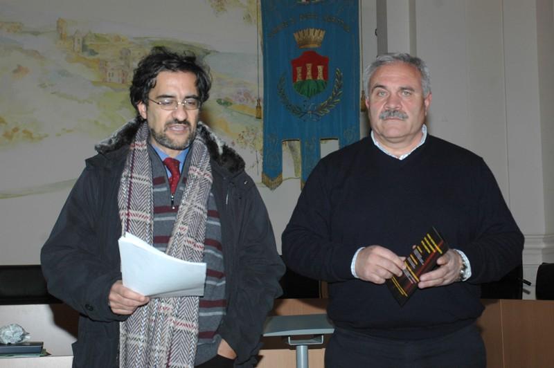 L'assessore Luciano Bruni e il sindaco di Cupra Domenico D'Annibali