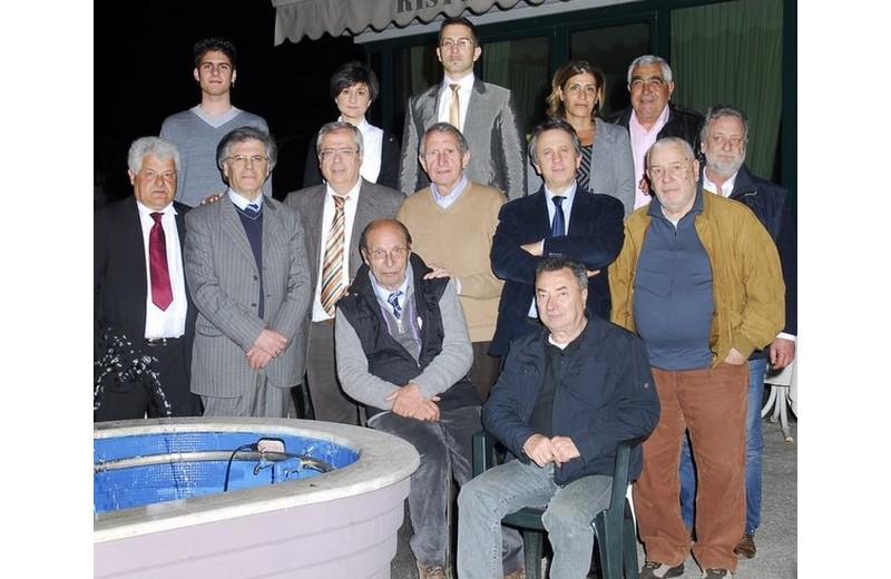 Mario Narcisi con i candidati della lista civica