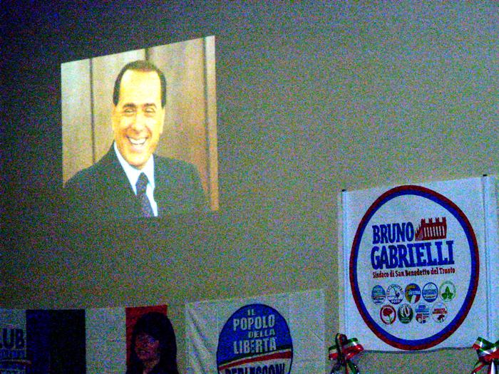 Silvio Berlusconi è intervenuto telefonicamente alla convention Pdl