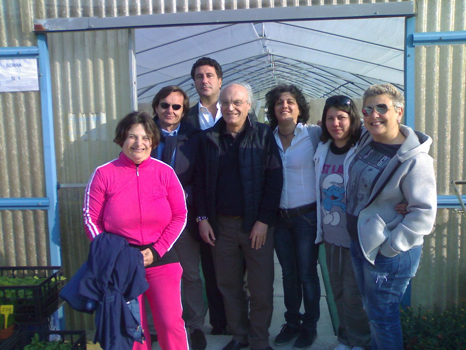 Fabbrica dei Fiori, al centro Zazzetta con il professor Teodorani della New Holland