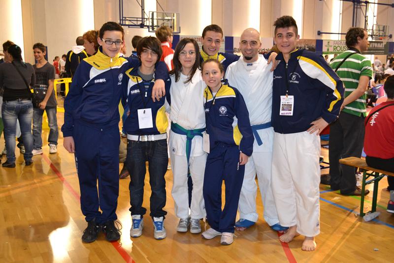 I ragazzi della Scuola Karate Morelli che hanno partecipato al Karate Trophy di Udine