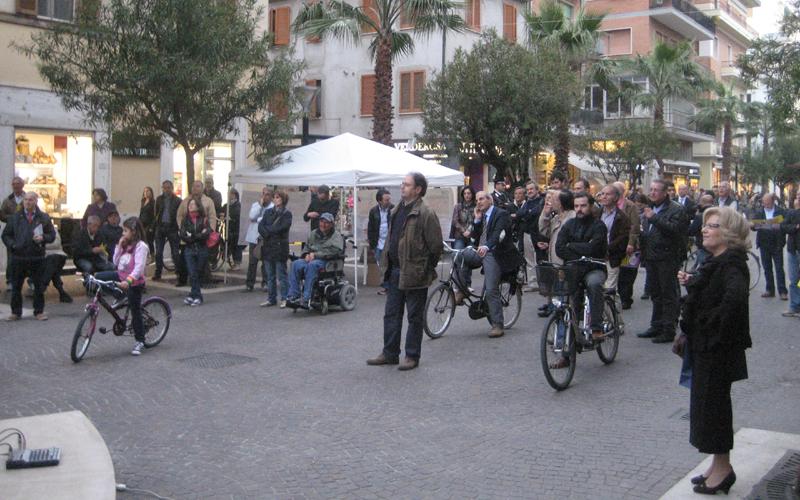 I presenti al comizio di Sel con Franco Giordano