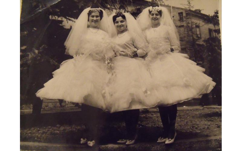 Ida Luciani, Liliana Gaetani, Edda Capocasa nel giorno del matrimonio, nel 1951