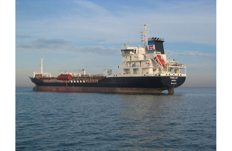 La nave petroliera Tigullio (foto tratta dal sito della compagnia armatrice, la SMTV-G.Messina spa)