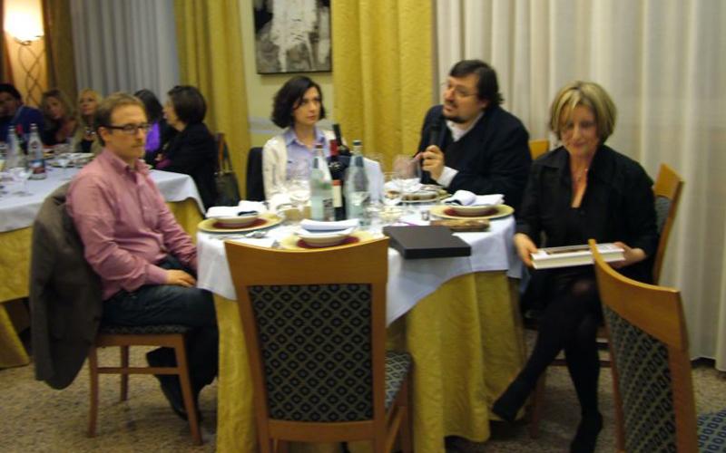 La Cucina dello Spirito, Tommaso Luchetti, al centro, con Ermetina Mira, a destra